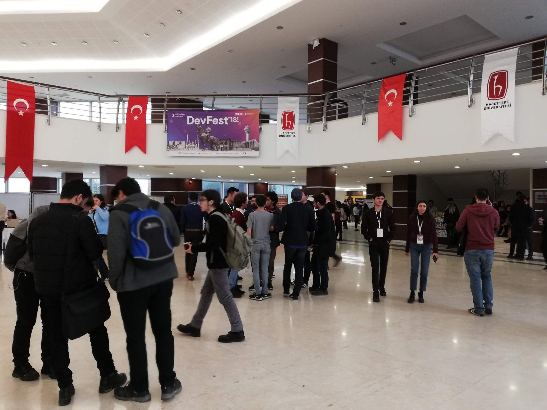 GDG DevFest 2018 Etkinliği 17 Kasım'da Beytepe'de Gerçekleştirildi