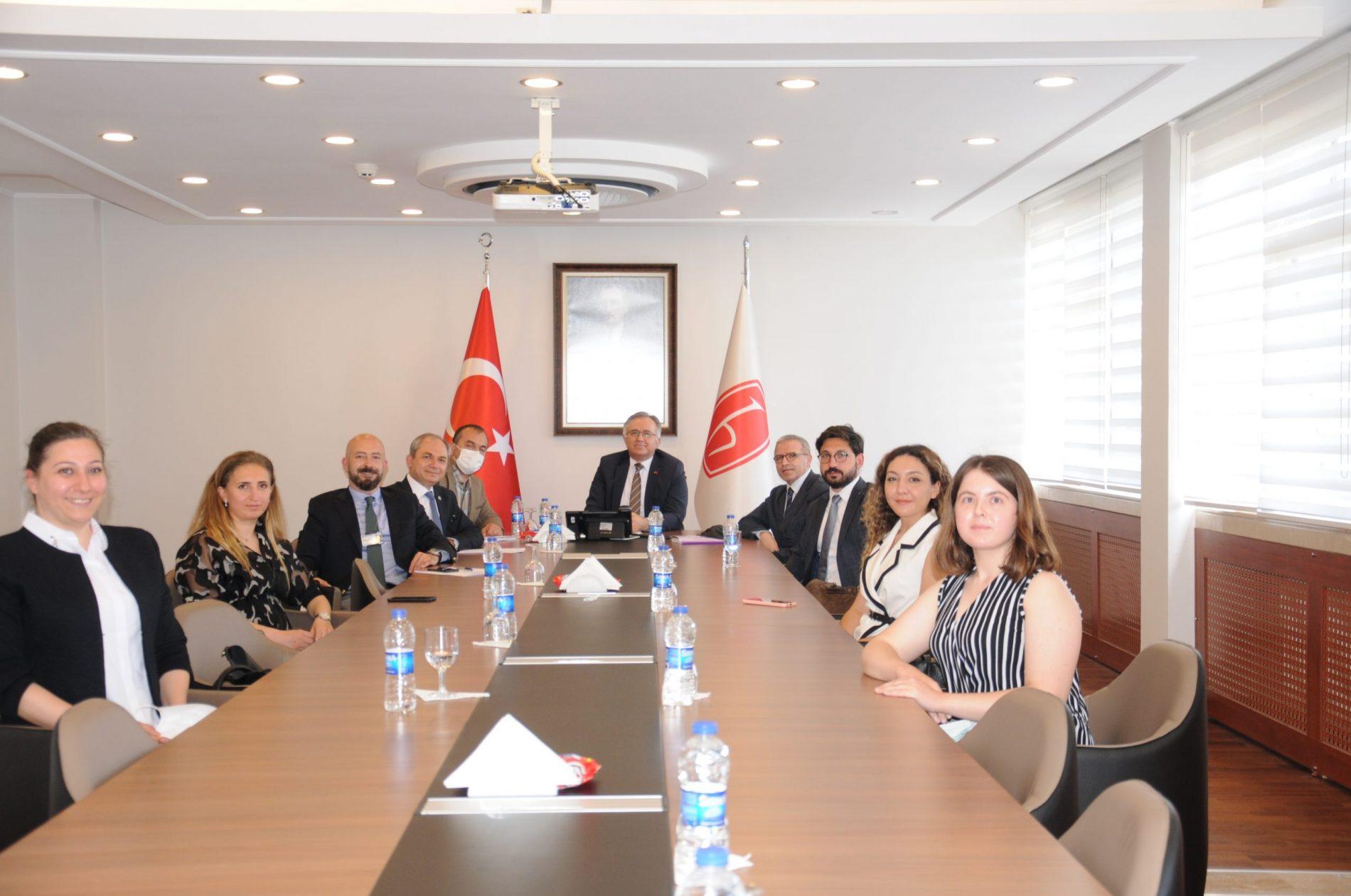 HÜMED Yönetimi HÜ Rektörü Prof. Dr. Mehmet Cahit Güran'ı Ziyaret Etti